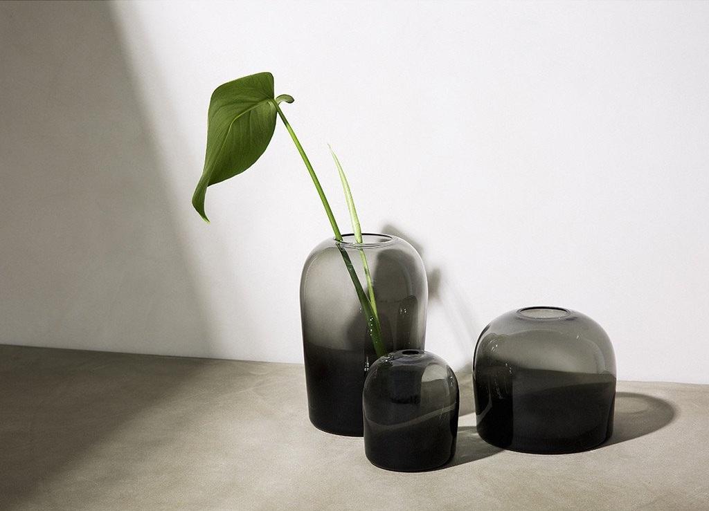 Simple Form -  Troll Vase Smoke
