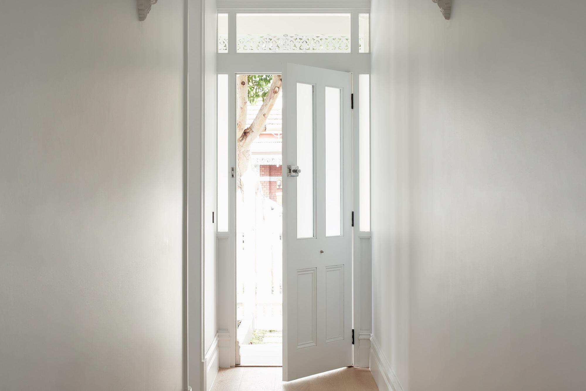 - ROOM REVEAL - Hallway