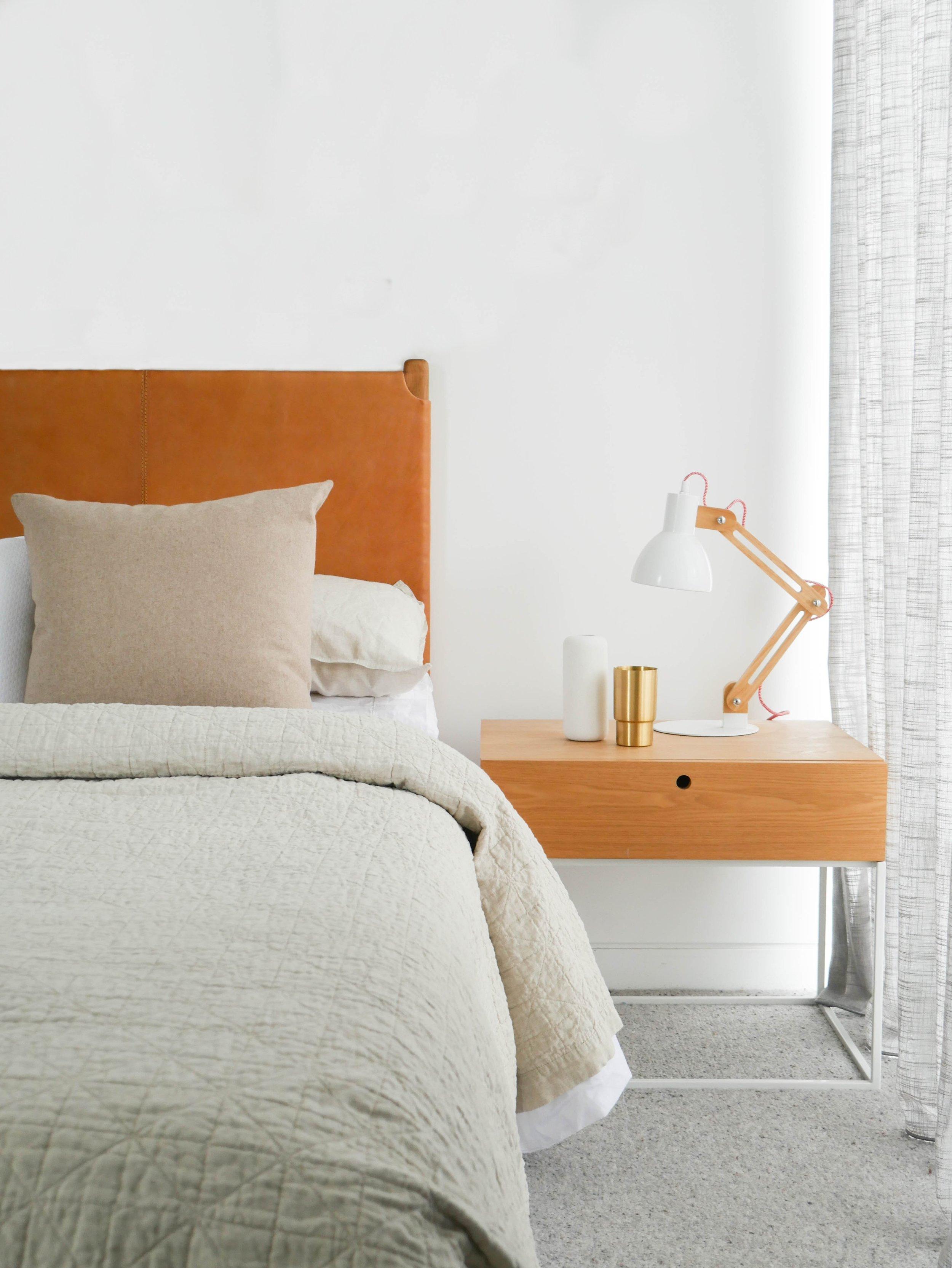 Product: Siena  Bedside