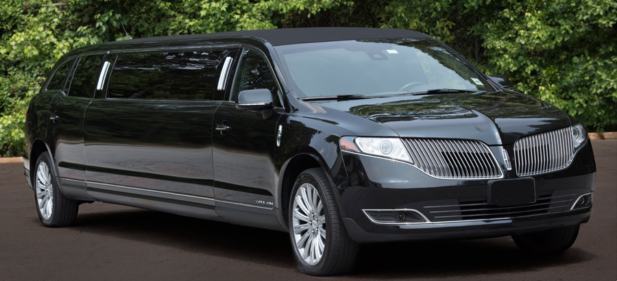 Lincoln_MKT_stretch_limo.jpg