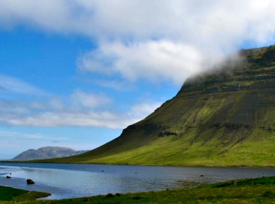 Kirkjufell (Church mountain) on the north coast of Iceland's Snæfellsnes peninsula, near the town of Grundarfjörður