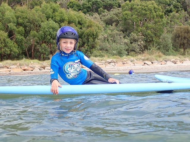 Styling 😂 all @surfgroms_ Easter Holiday programs are all online at www.saltysurfschool.com #saltysurfschool