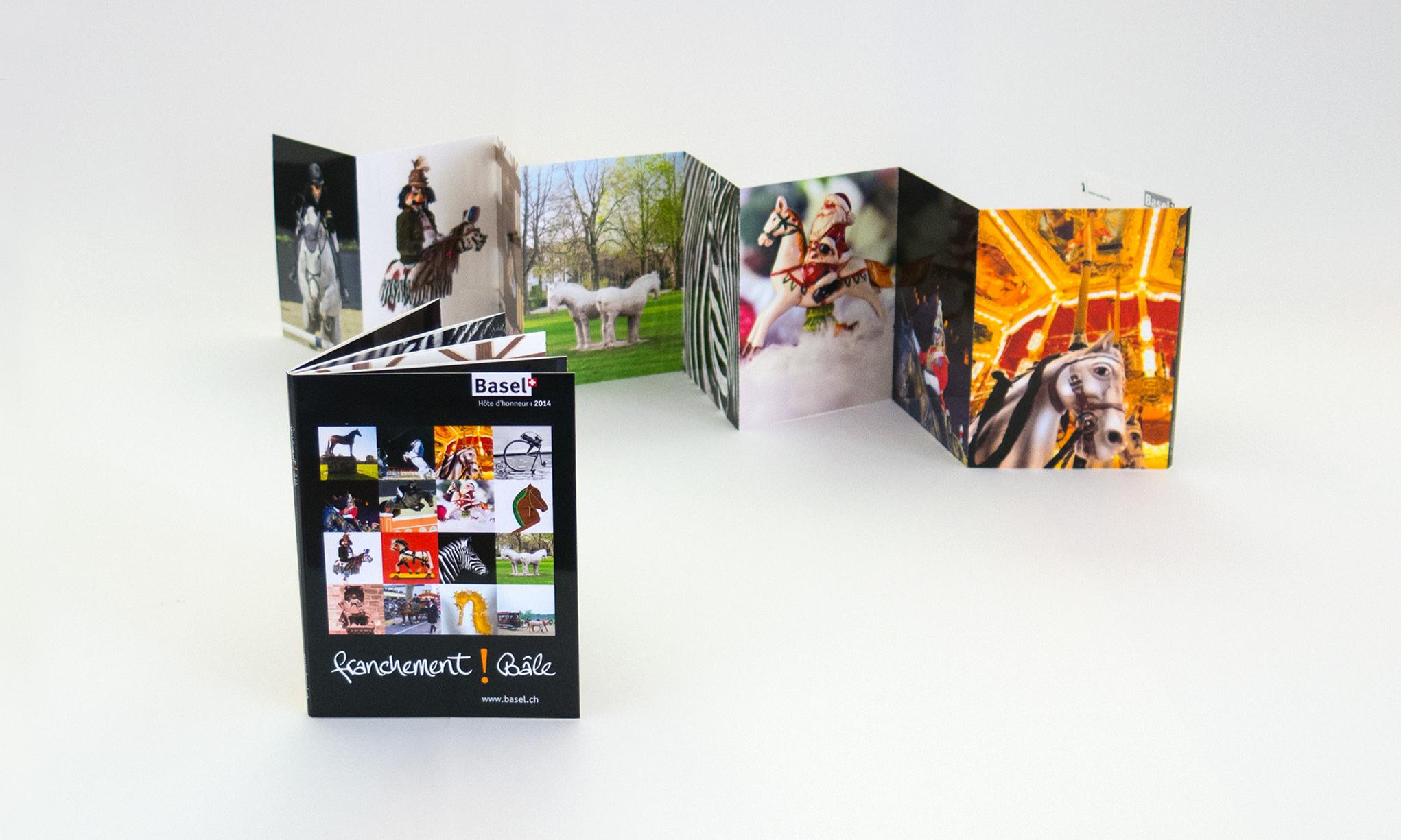 Give-away des Gastkantons Basel-Stadt: Postkartenset.