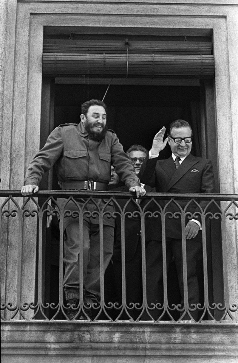Fidel Castro and Salvador Allende at the Palacio de la Moneda balcony, Santiago de Chile, 1971.