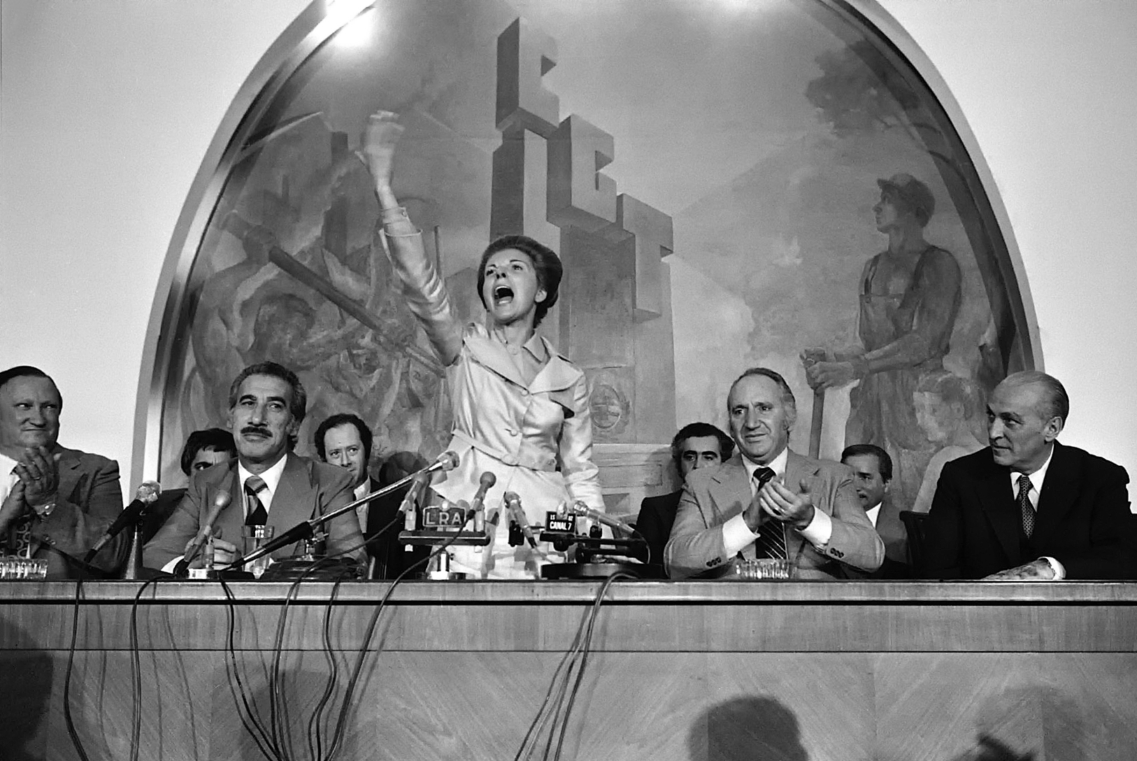 Isabel Peron speaking at the Workers' Union headquarters, 1975