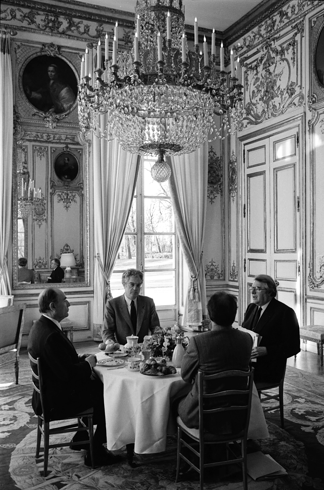 Breakfast at the Elysee Palace.