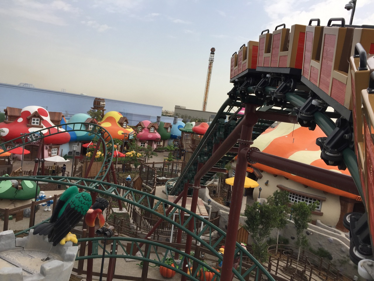 smurf village express dubai parks and resorts