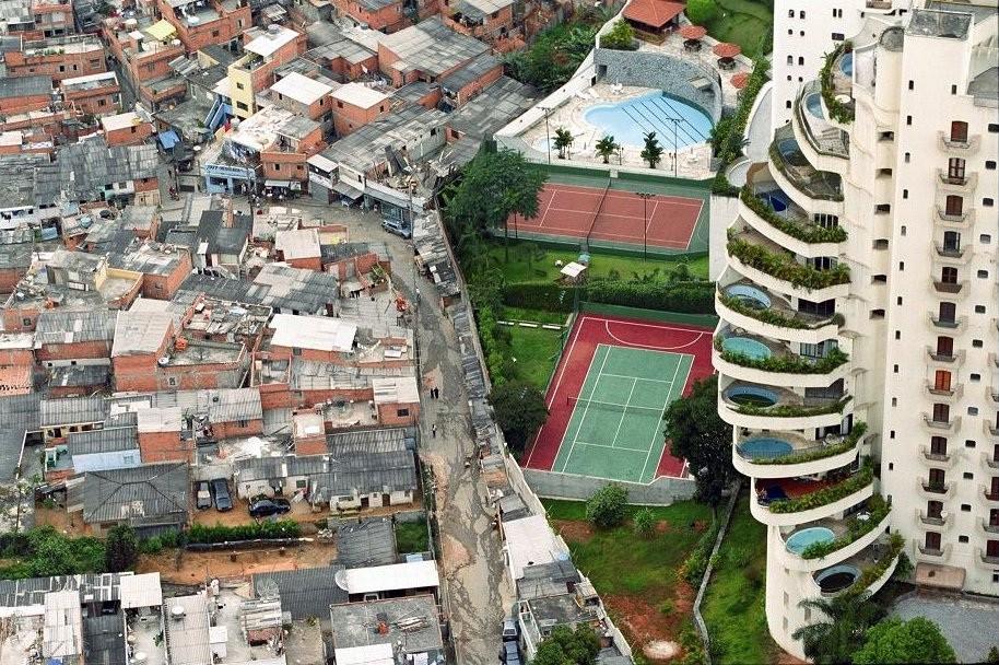 An example of poverty and wealth side by side. (Brazil)