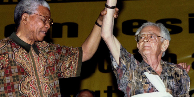 Joe Slovo with Nelson Mandela (Soure: Huffington Post)