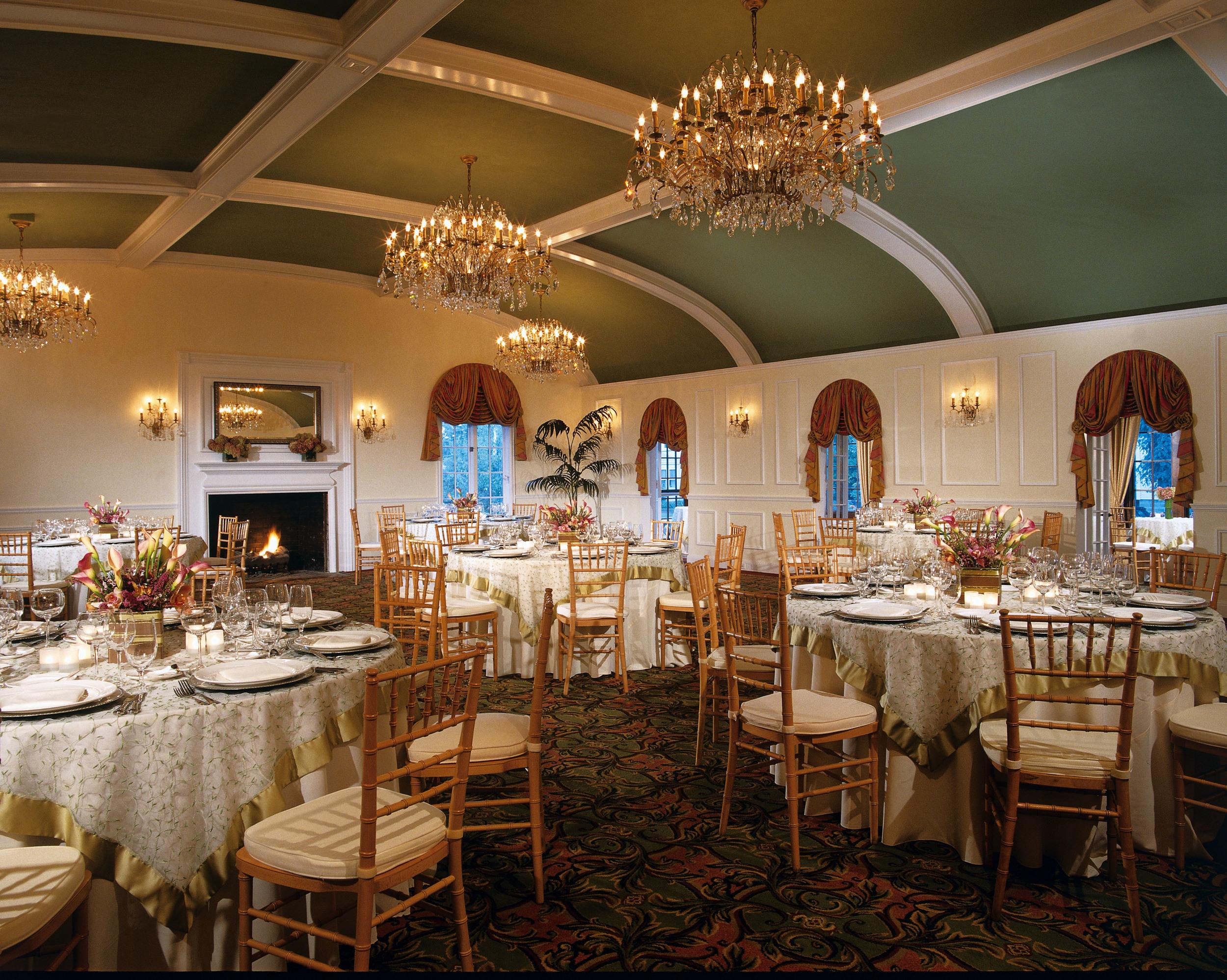 Ballroom_dining_9908_standard.jpg
