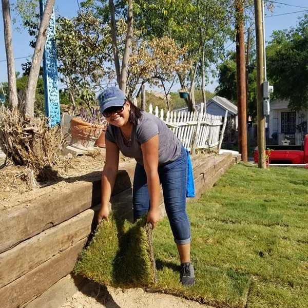 Special thank you to our @americorps National Member, Ms. Kimberly Mata, on 3 years of service with #habitatlaredo! Her leadership with the construction crew, volunteers, and daily operations helped us provide low-income families with the guidance and homes they needed to reach their potential. 👏🏼 • #habitatforhumanity #americorps #giving #philanthropy #nonprofit #ngo #laredo