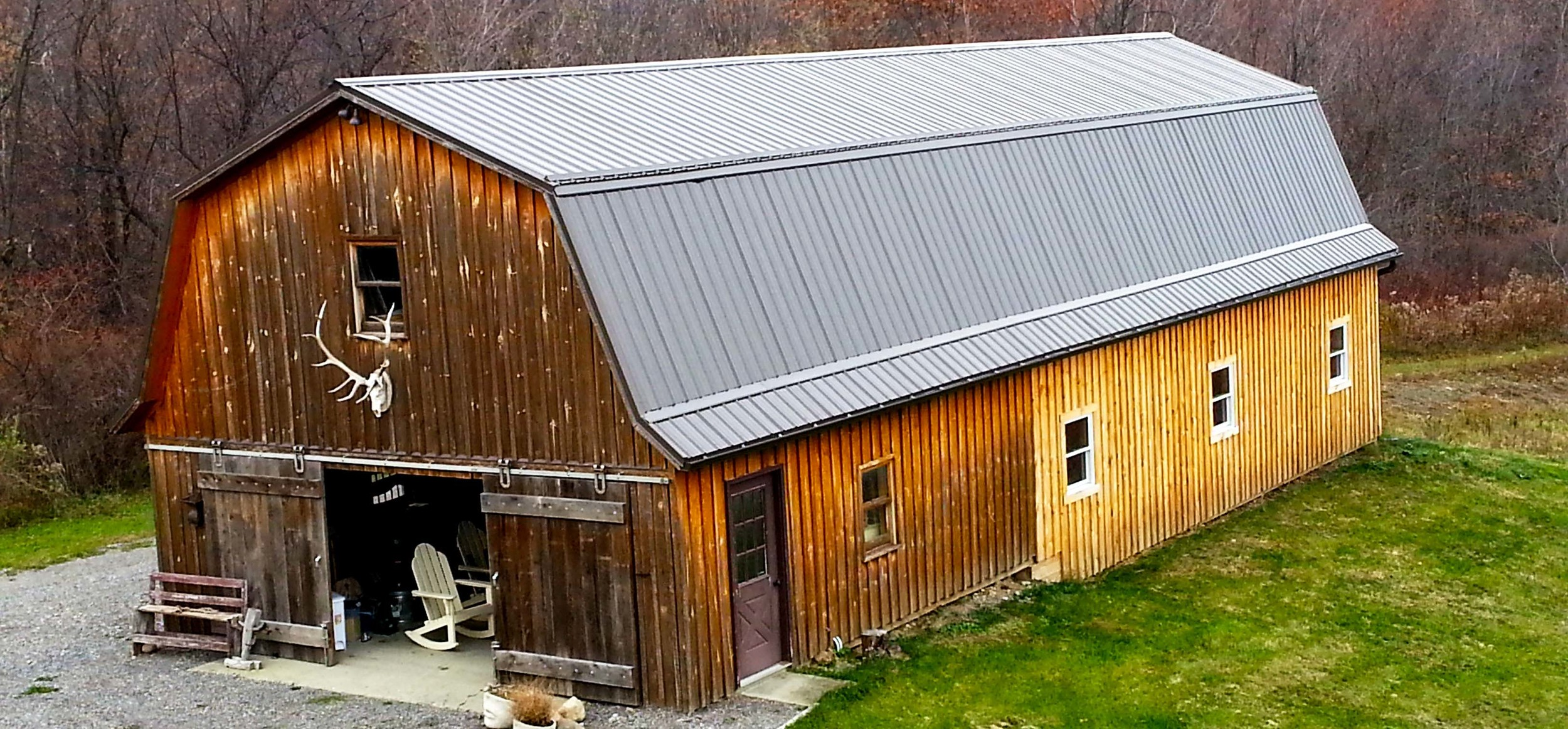 home page wide barn.jpg