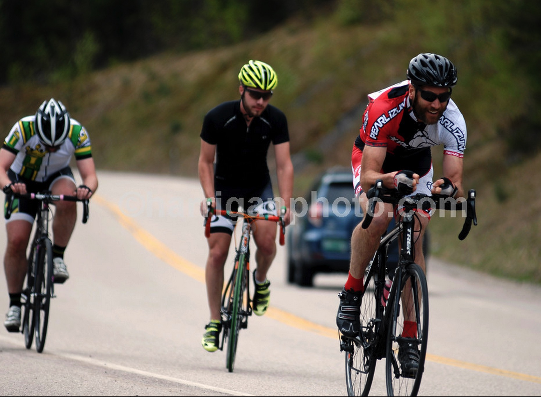 Battling a up the Kanc trying to shake fellow age groupers.