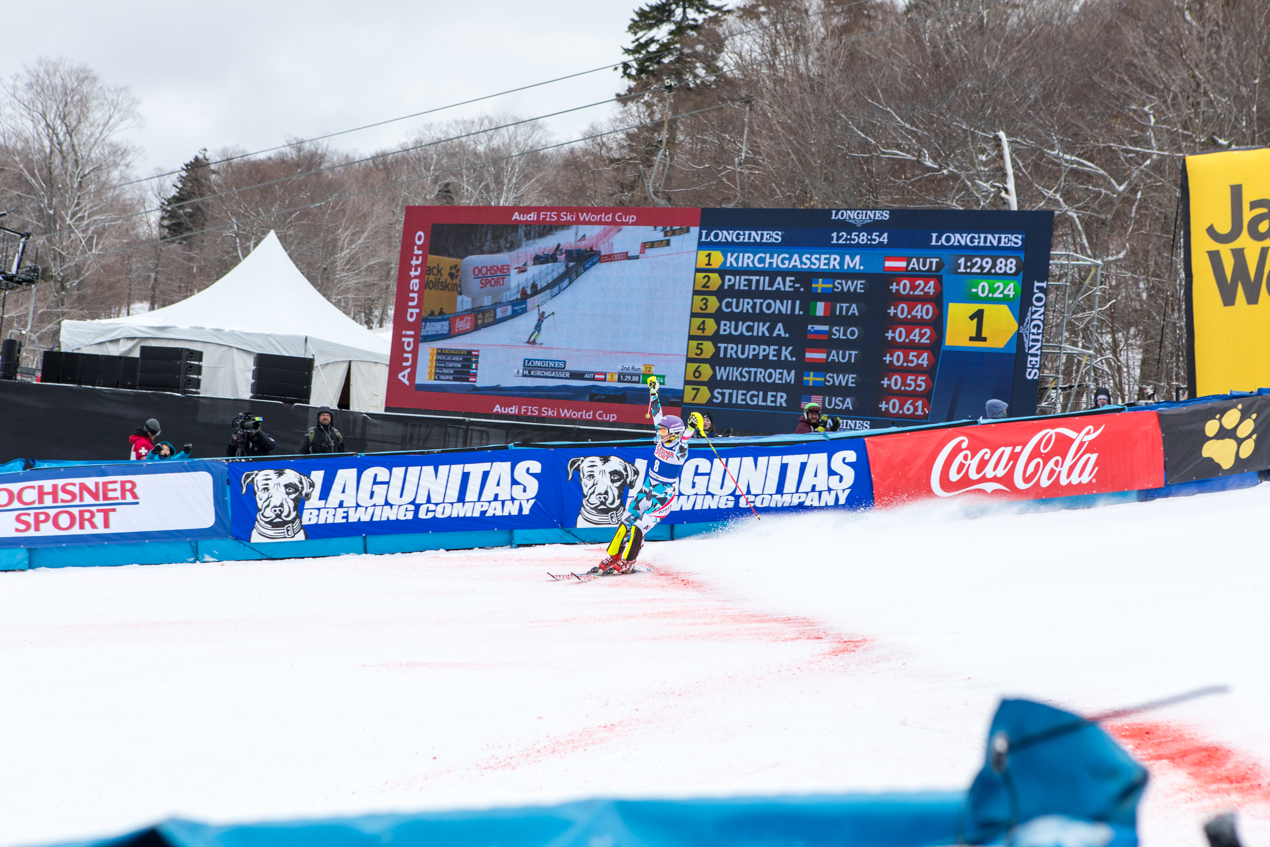 Killington-World-Cup-KIRCHGASSER-Michaela-finish.jpg