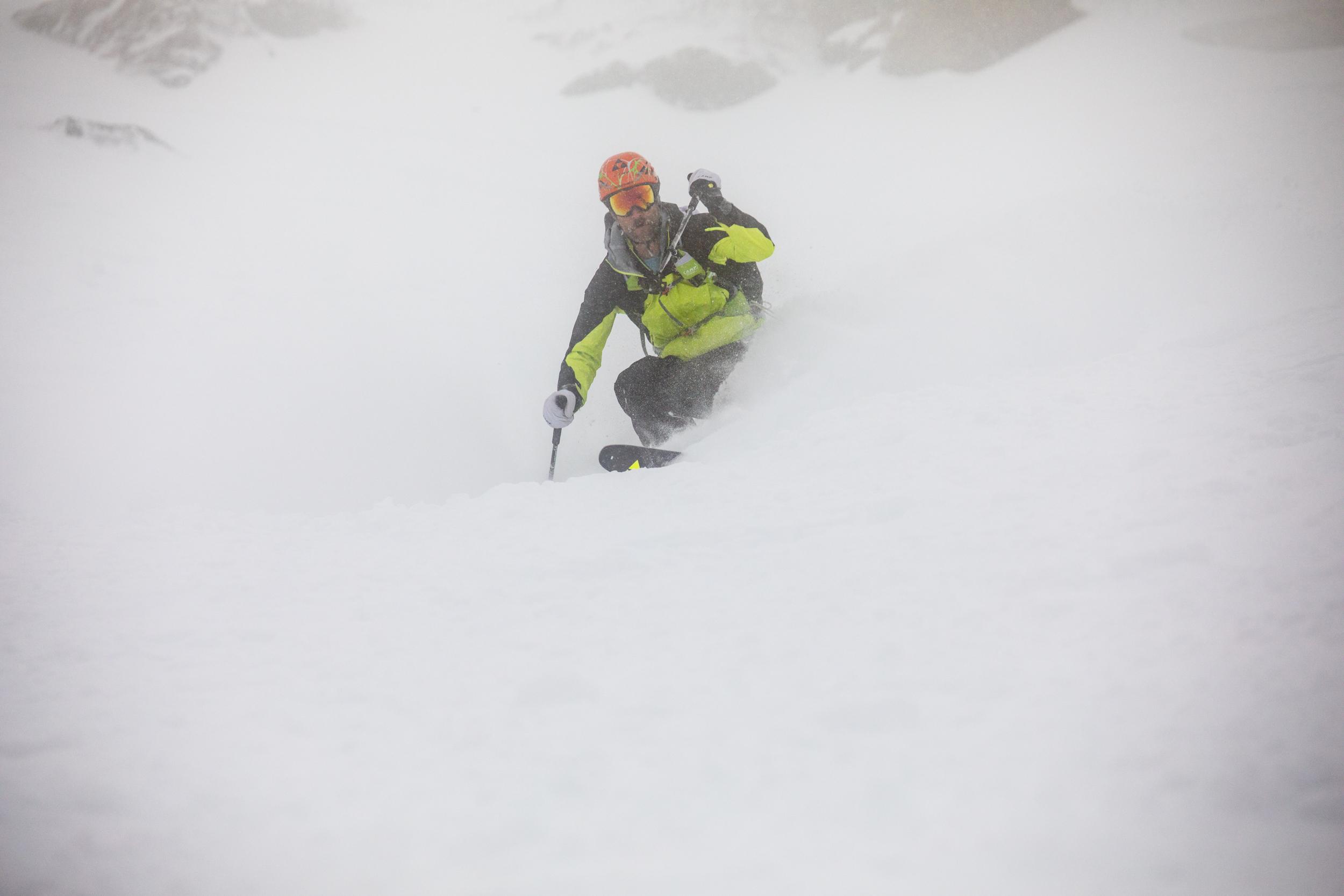 Andrew Drummond - Ski The Whites