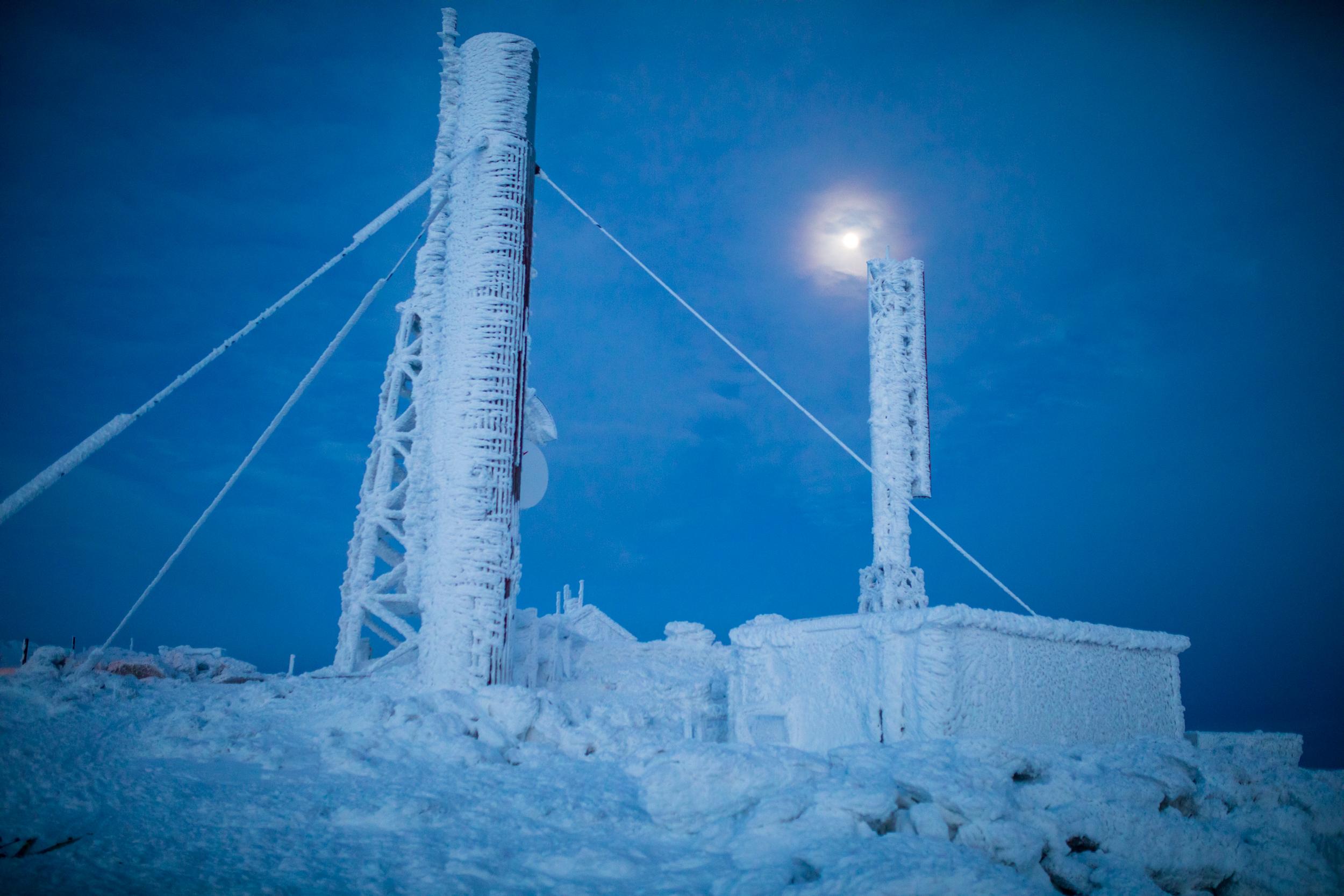 Mount Washington Summit Towers.jpg