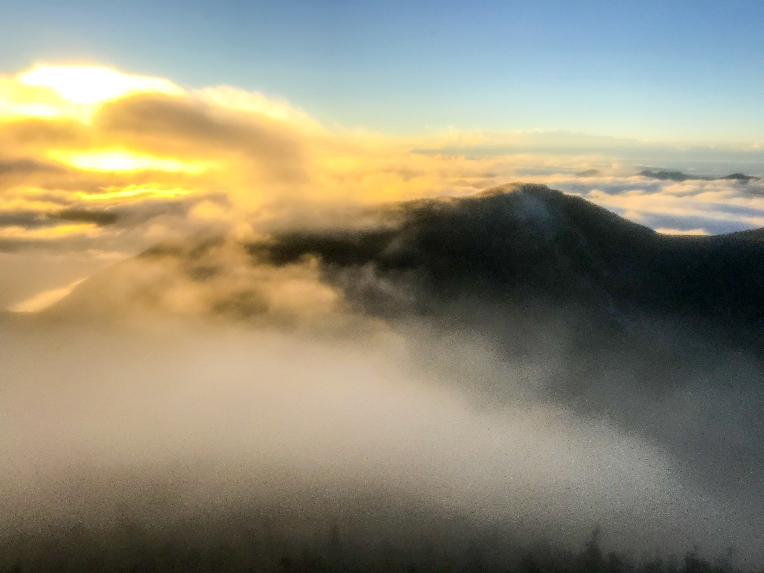 pemi loop run - flume sunrise.JPG