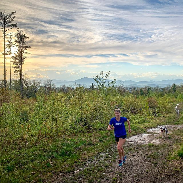 Don't let the smile hide it. Black flies are out! #runthewhites #trailrunning