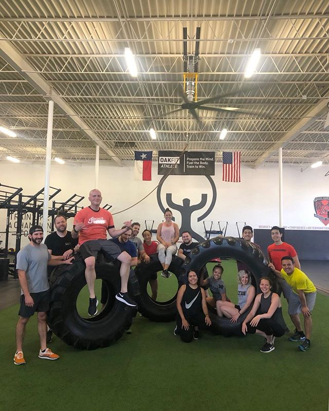 Tire flips call for tire pics!! . . . . . #oakfit #oakfitathletes #strengthtraining #fierce #saturday #strongman #communityrooted #resultsdriven #oakfitfamily #tireflips