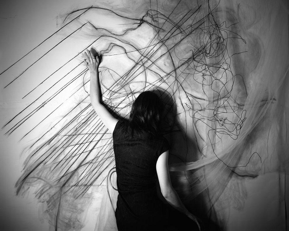© Lauren Semivan.   Labyrinth  , 2010. ⠀