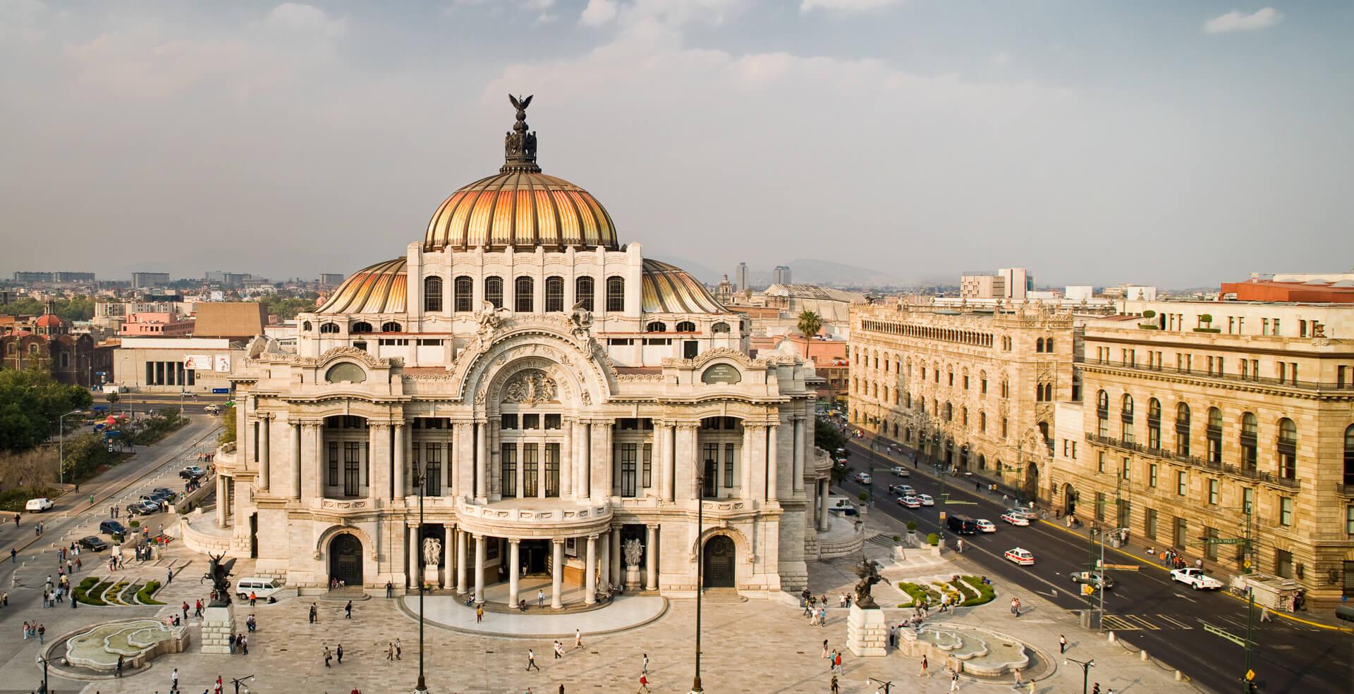 actividades-principales_ciudad-de-mexico_ciudad-de-mexico_recorre-el-centro-historico_01.jpg