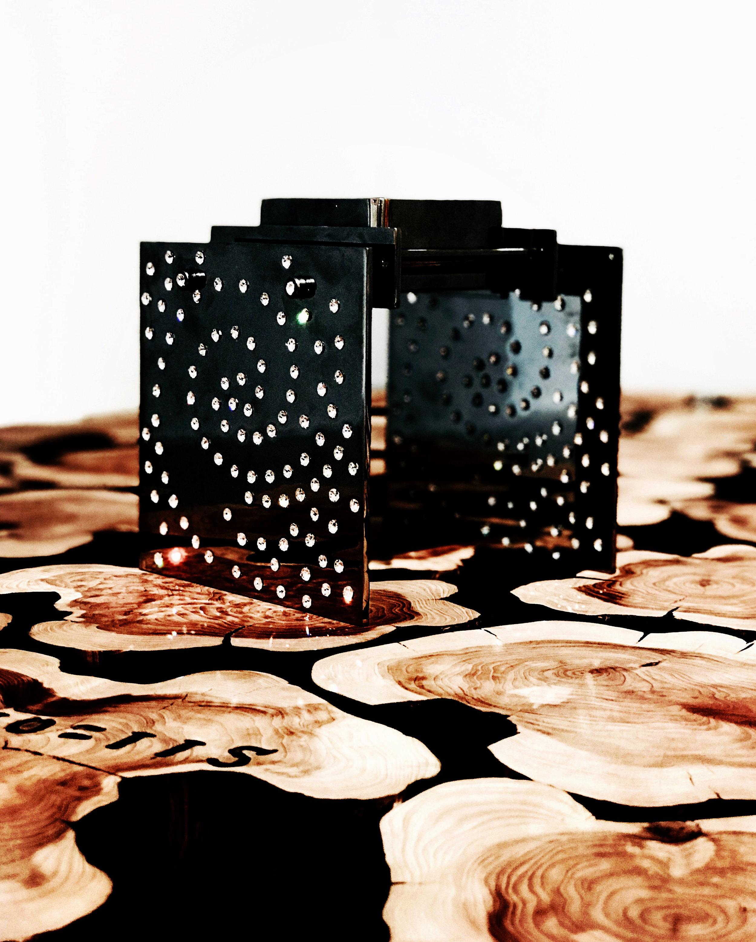Spiral_noir_4.5x4.5.jpg