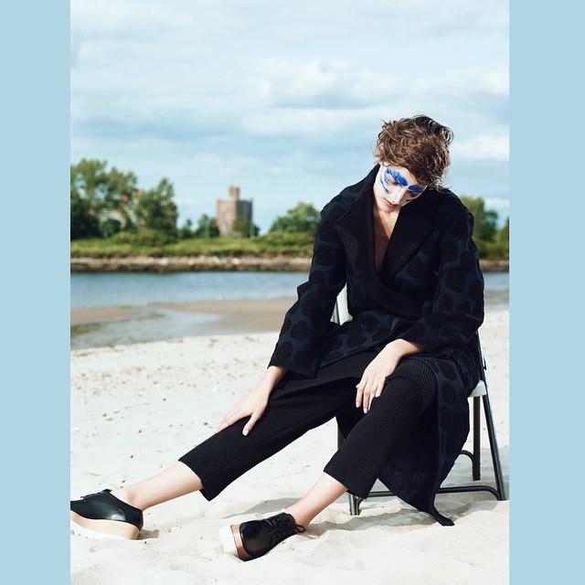 Got the middle of the week blues?  Here's an amazing editorial!   Othilia Simon  (@othiliasimon)  Shot by Dario Catellani  (@dariocatellani)  For Russh Magazine (@russhmagazine)    HOUSEtribeca.com  photo-retouching house    #photo #photoshoot #photography #photographer #dariocatellani #style #styling #stylist #model #modeling #othiliasimon #mua #ralphsiciliano #retouch #retouching #housestudios #nyc #newyorkcity #editorial #hair #design #designer #fashion #fashioneditorial #fashionphotography