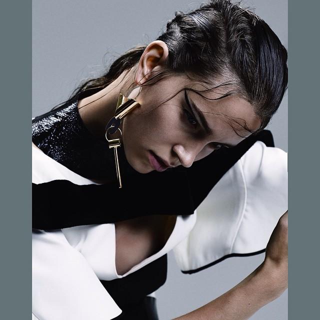 Louis Vitton's Nicolas Ghesquière designed this lovely number.     Eliza Hartmann  (@elizahartmann)  Shot by Dario Catellani  (@dariocatellani)  For Dazed and Confused  (@dazedmagazine)  HOUSEtribeca.com  photo-retouching house    #photo #photoshoot #photography #photographer #dariocatellani #style #styling #stylist #model #modeling #elizahartmann #mua #makeup #retouch #retouching #housestudios #nyc #newyorkcity #editorial #green #design #designer #louisvuitton #nicolasghesquiere #fashion #fashioneditorial #fashionphotography