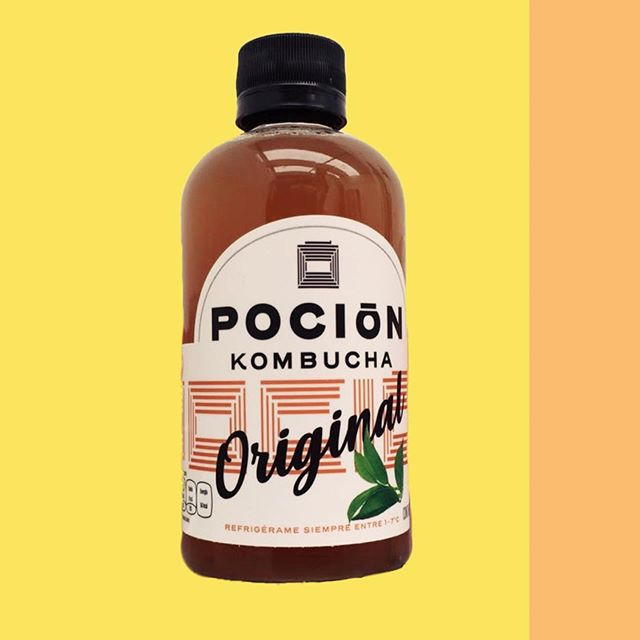 New bottle, new design- happy Friday! Enjoy yours #pocionmx . . . #kombucha #workout #healthy #active #exercise #probiotic #prebiotic #tea #detox #cleanse #scoby #vegan #glutenfree #organic #lifestyle #healthyliving
