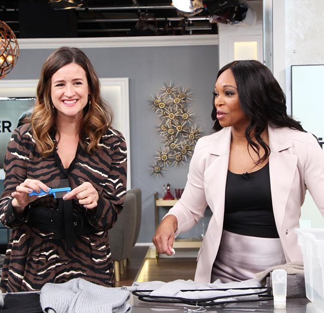 Yes, I'm holding up a lice comb. Check out the link in my bio to see why I've got one on display! 😂😂. #torontostylist #fashion #sweaterweather #sweatercare #simplechic #citylineexpert