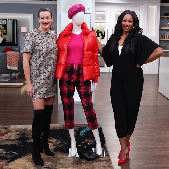 New colour pairings to brighten up your winter black on black rut! This morning on @cityline with the lovely @thetracymoore who #gotthememo with her fab statement pumps!  #torontostylist #fashioninspo #winteroutfits #brightsforwinter #citylineexpert