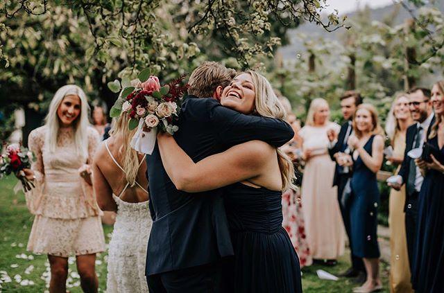 Härliga gratulationer från Therese & Niklas mysiga och intima Italienbröllop 🍇