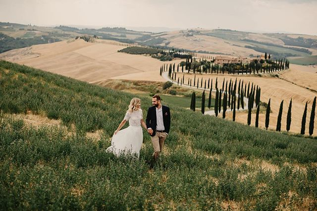 ✨ PAR SÖKES ✨ Ett par sökes till en stylad bröllopsfotografering i Lofoten, Norge torsdag, fredag eller lördag; 18, 19 eller 20 juli.  Enda kravet är att ni ska känna er bekväma framför kameran och att tjejen ska passa storlek 34 eller 36.  Som tack får ni bilderna på er från dagen! ☺️ Är det något för dig och din partner, eller känner du någon som skulle passa perfekt? Skicka då iväg ett meddelande eller tagga personen här i inlägget!