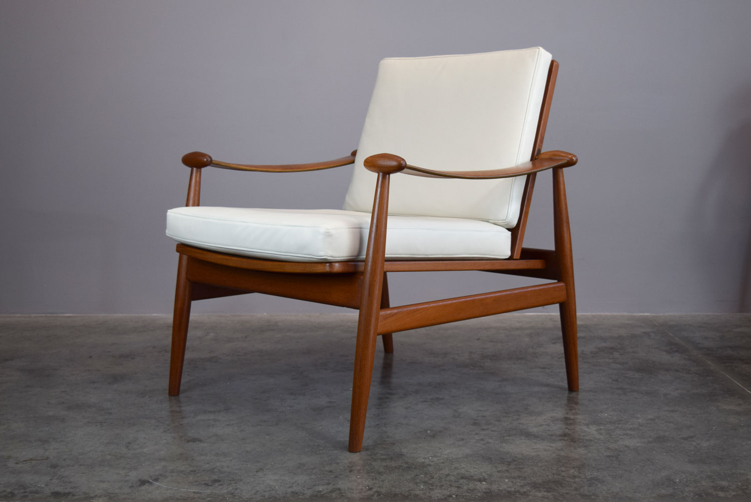 Spade Chair in Teak and Cream Leather