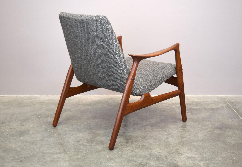 chair_back34.jpg