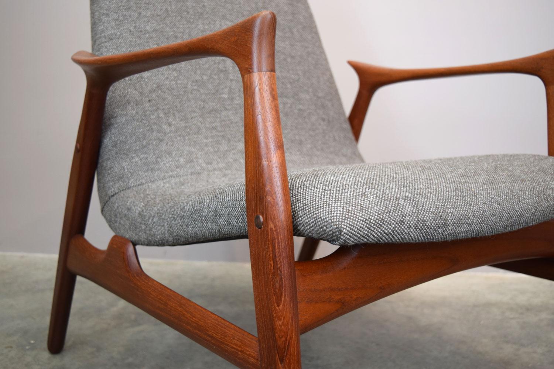 chair_close.jpg