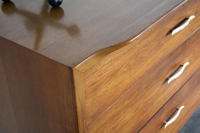 dresser_detail.jpg