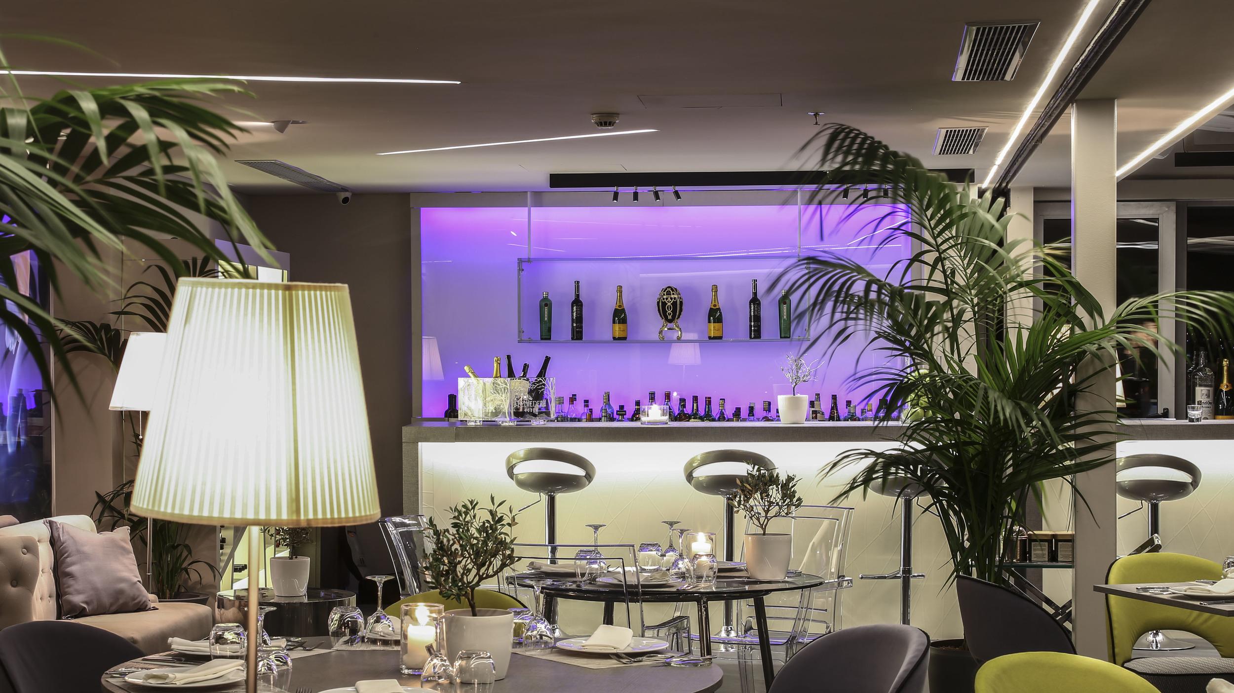 Bar detail -St.George Lycabettus Hotel
