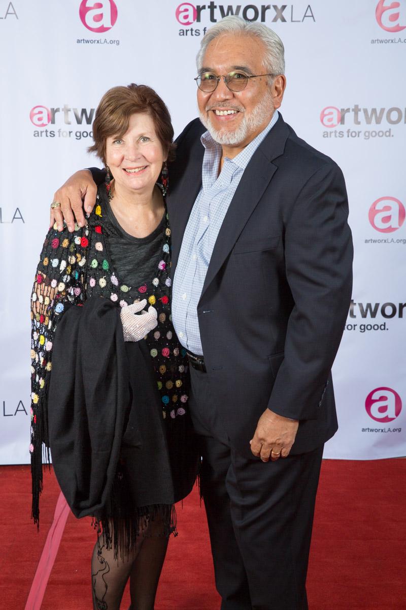 Mark Leos, Antoinette Leos