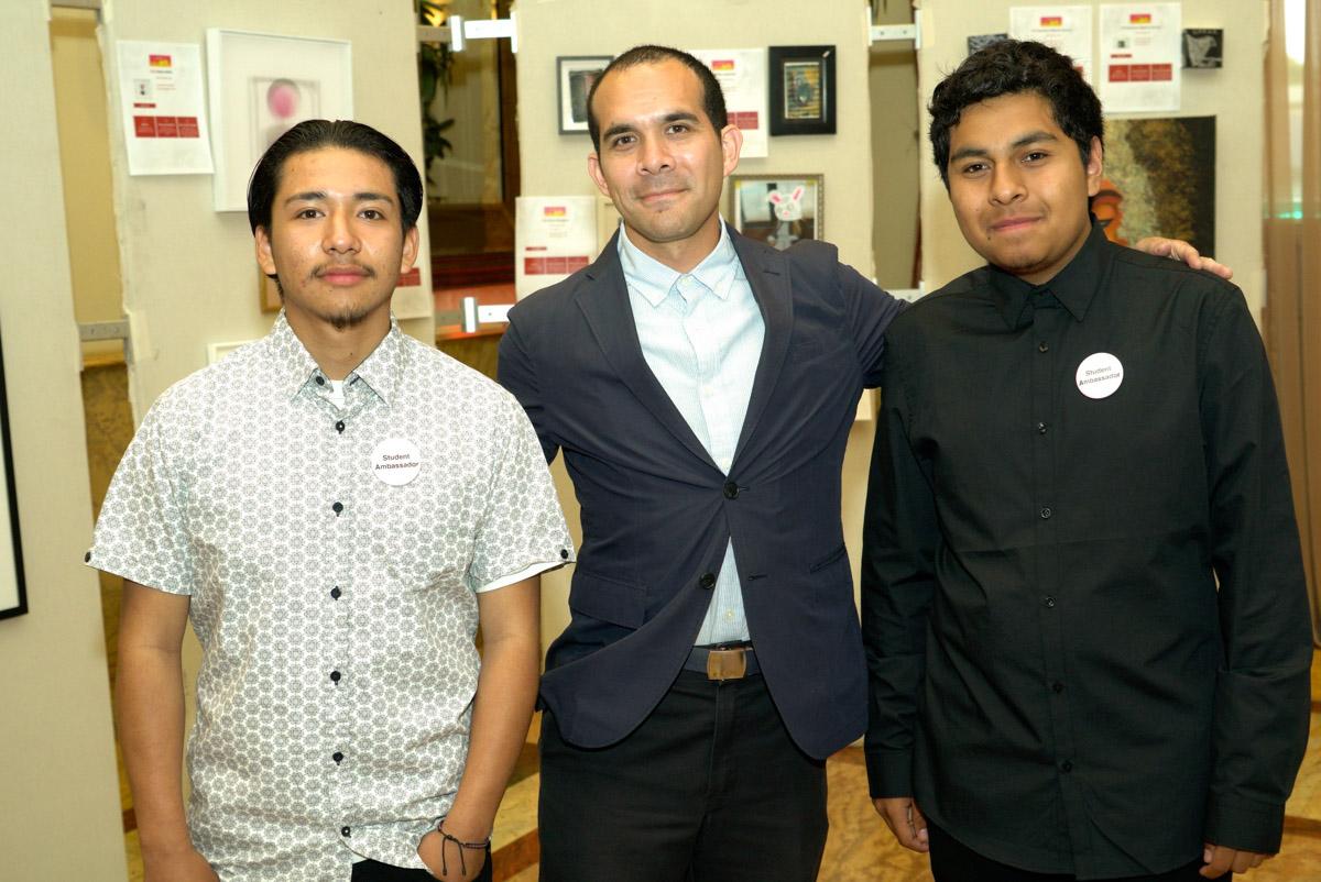 Michael Alvarez and artworxLA students.jpg