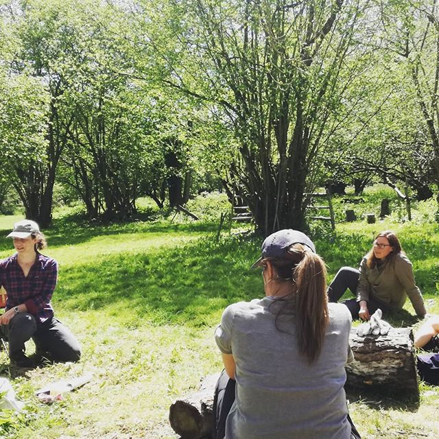 Suncream and hats very much needed in Wiltshire today! Observing a Level 3 Forest School course led by one of our brilliant Associate Trainers @brightwoodtraining  Thoroughly enjoyed the day in the sun!  #forestschool #forestschools #forestschooltraining #training #level3 #swindon #ashdownforest #learning #learningthroughnature #naturalplay #nature #woodlandskills #teamwork #teaching #outdoorclassroom #outdoorskills #newskills #observation #cpd #sunnyday #cambiumtrainersnetwork #cambiumsustainable #trainersnetwork