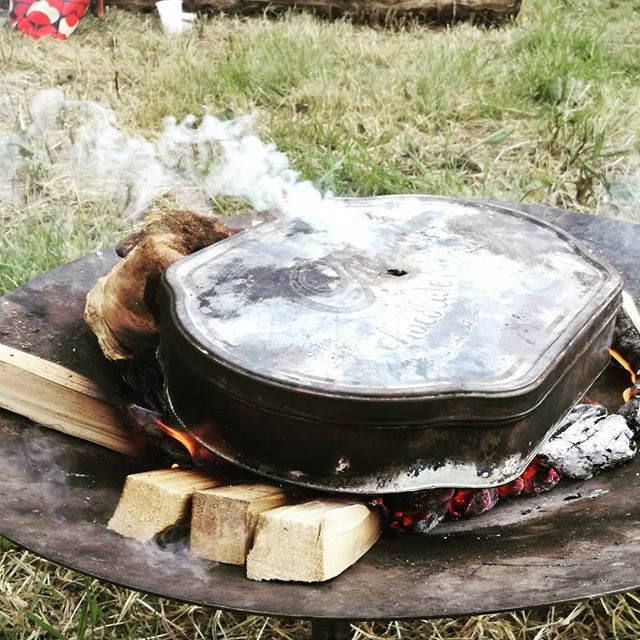 @hayfestival this week with our mobile #rootedforestschool workshops. Having great fun making charcoal, creating natural art, mixing colours from nature and constructing paintbrushes from foraged materials. Love it!  #forestschool #forestschools #workshop #outdoorchildren #learningthroughnature #learningoutdoors #naturalcraft #nature #engagement #rewilding #childled #fire #campfire #festival #hayonwye #hayfestival #hayfestival2019 #newexperiences #newskills #primativeskills #bushcraft #skills #learning #lovewhatyoudo