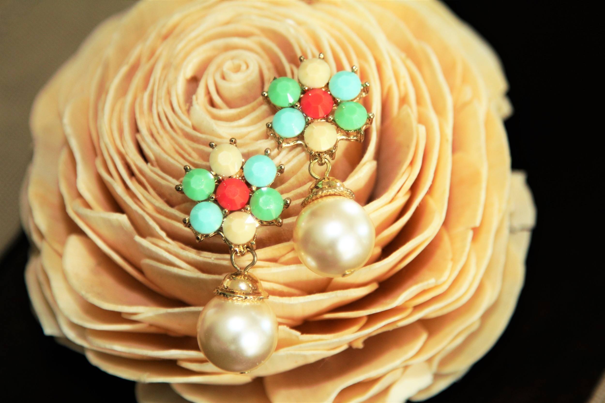 Pearlescent Flower Earrings