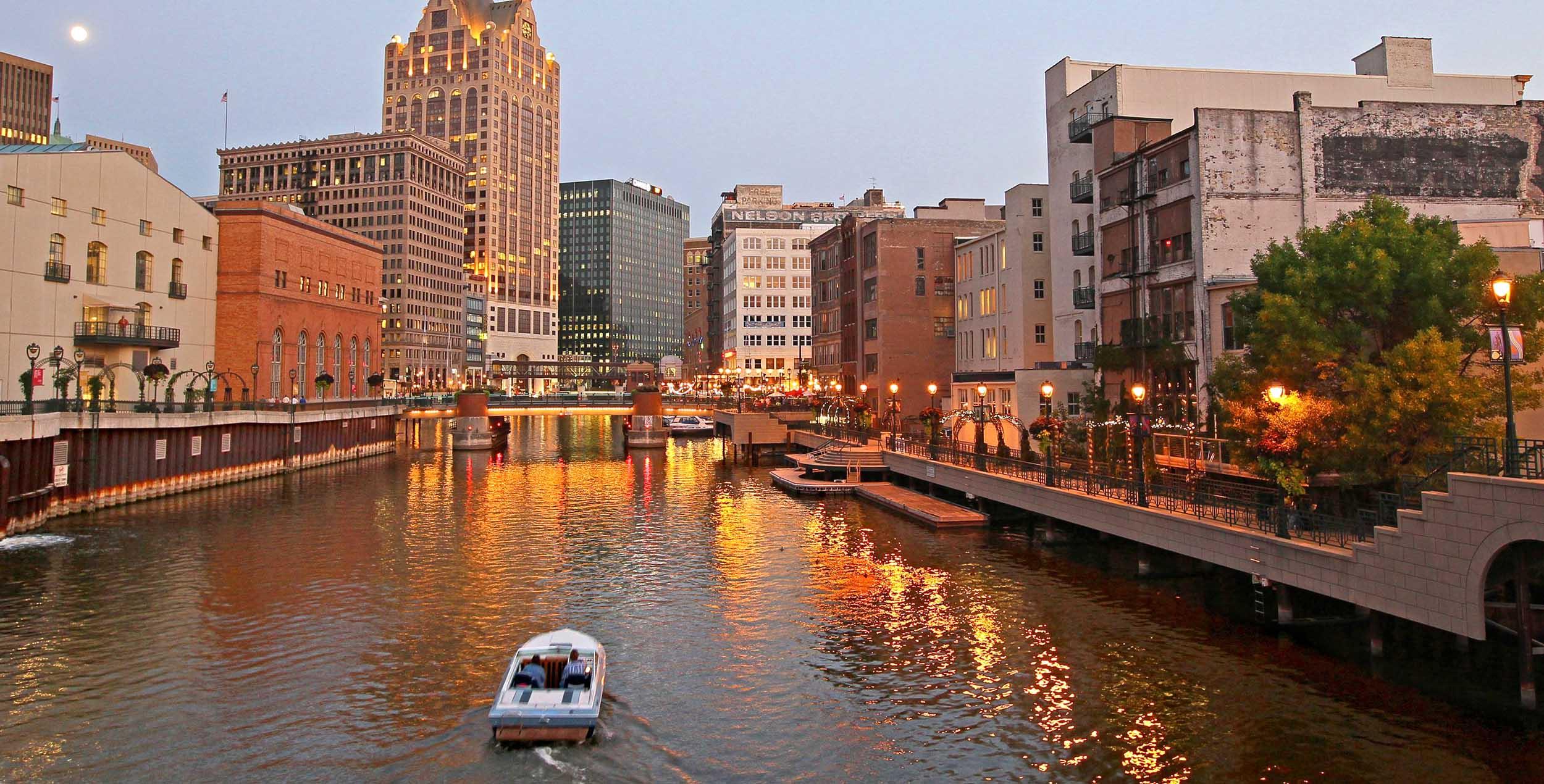 10-Milwaukee-Wisconsin.jpg