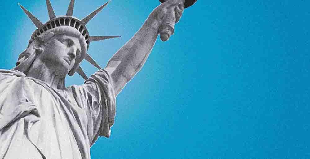 Crímenes que causan deportación - Esta guía revisa qué delitos pueden causar la deportación de ciudadanos extranjeros.