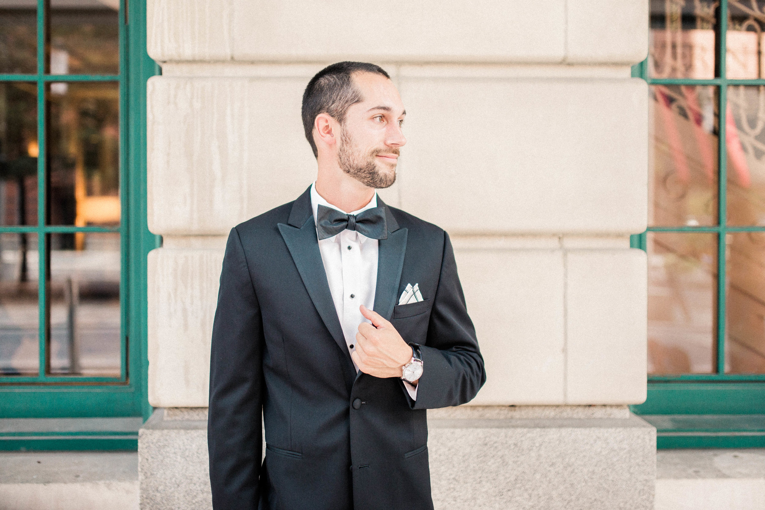 Lyndsey + Drew   A Classic Timeless and Romantic Wedding at the Omni Severin Hotel   International Indianapolis Elopement & Destination Wedding Photographers