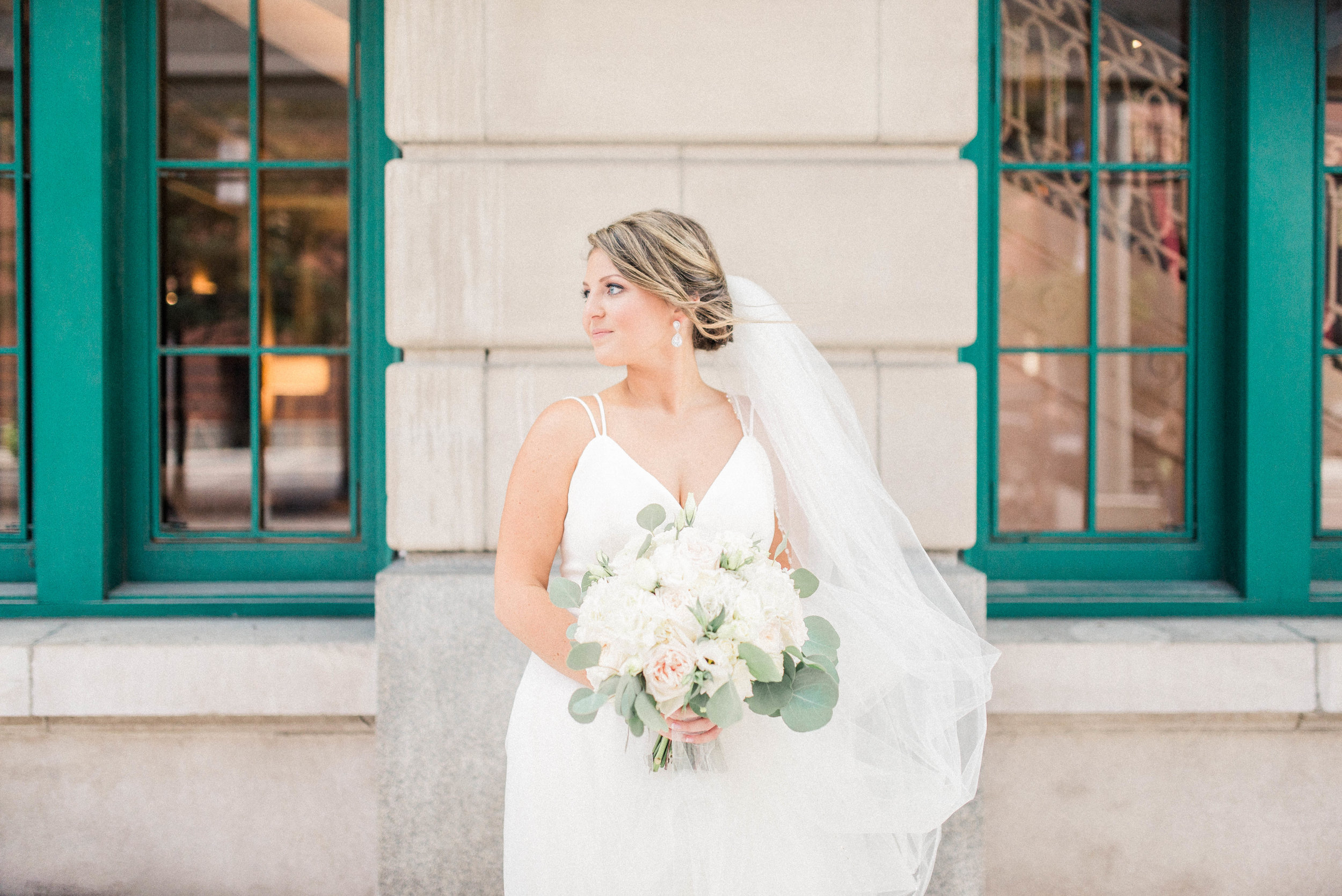 Lyndsey + Drew | A Classic Timeless and Romantic Wedding at the Omni Severin Hotel | International Indianapolis Elopement & Destination Wedding Photographers
