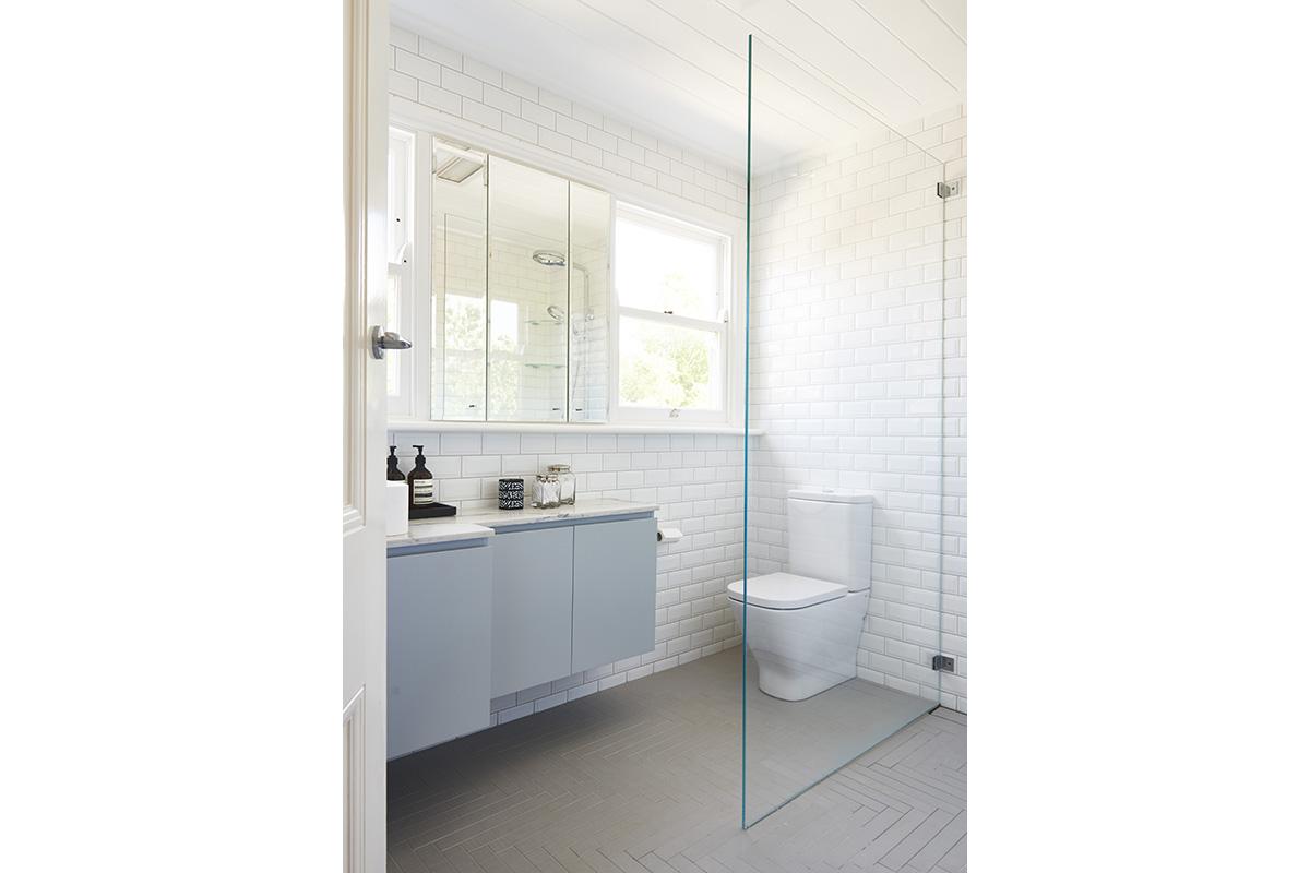 Killara-Familybathroom8-by-LynneBradleyInteriors.jpg
