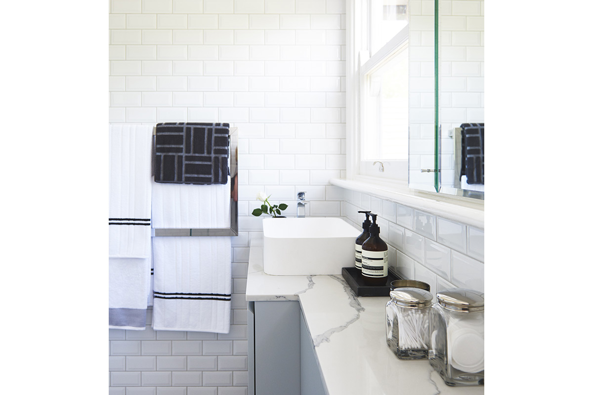 Killara-Familybathroom7-by-LynneBradleyInteriors.jpg