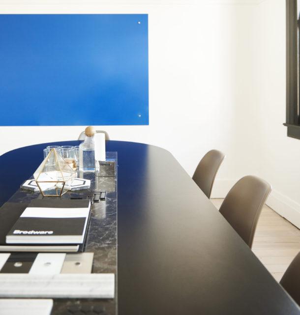 A custom coloured glass 'white board'